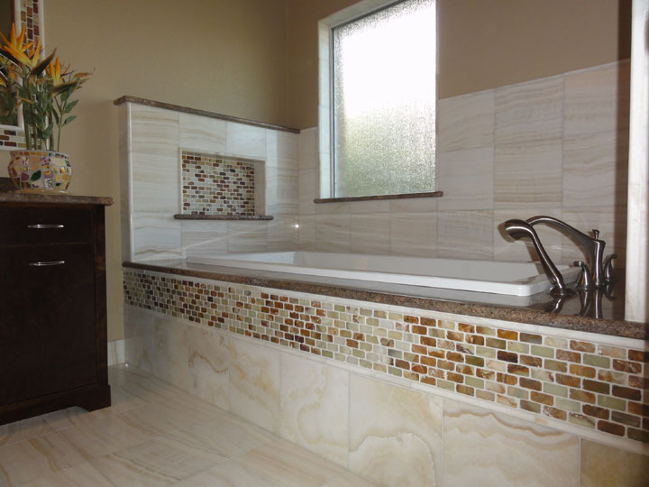 Merveilleux Here Is Our Latest Bathroom Remodel In The Austin Area ( Round Rock, TX).  This Particular Customer Just Wanted A Spa Like Tub Area For Her Master  Bathroom.